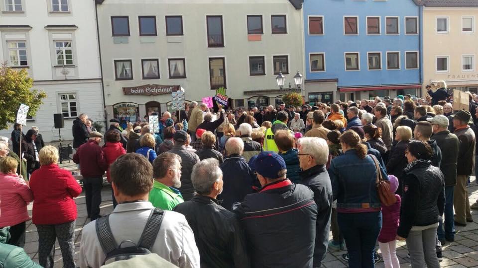 Resonanz bei der Demo gegen die StrABS.